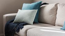 布製ソファの掃除の頻度は?子どもがいる家庭で実践したいソファ掃除の方法
