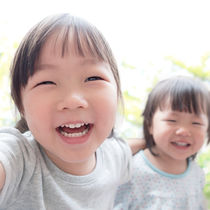 子ども同士の喧嘩に親はどう対処するべきなのか。上手な仲直りのさせ方とは