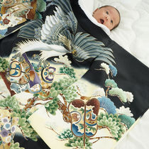 お食い初めの写真撮影。赤ちゃんや親の服装、自宅での写真の撮り方の工夫