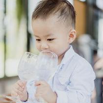 【小児科医監修】赤ちゃん、子どもがお酒を誤飲!年齢別の影響と対応