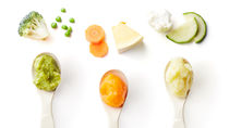 離乳食であげる初めての野菜。ママたちが選んだ野菜の種類や食べないときの工夫