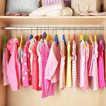 衣替えのいらないクローゼットの収納方法。ママたちおすすめの衣装ケースの選び方など