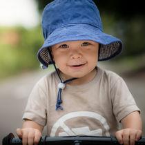 保育園の帽子選び。日よけやゴムのサイズ調整、ワッペンや刺繍のアレンジ方法
