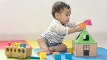 生後9カ月の赤ちゃんに人気のおもちゃや家庭でできる手作りおもちゃ