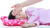 【小児科医監修】子どもの熱が下がらない!4歳児の発熱について、元気でも熱が続く際の解熱剤のタイミングなど