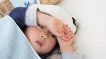 【小児科医監修】2歳児の子どもの熱が下がらない。元気なときの対処法や解熱剤の使用について