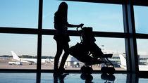 生後6ヶ月の赤ちゃんと飛行機に乗れる?準備したものや耳抜きの方法