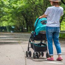 産後の散歩はいつから?出かける場所や、散歩に行くときに気をつけたポイント