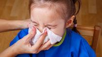 【耳鼻科医監修】子どもの鼻水。正しい鼻水のかみ方と子どもへの伝え方のコツ