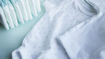 赤ちゃんの肌着の選び方。冬や夏に用意した種類や選ぶときのポイント