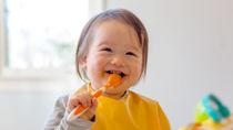 1歳半の子どものスプーンの練習方法。選び方やスプーンを使わないときの工夫