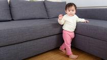 赤ちゃんがハイハイからつかまり立ちした時期。順番やしないときの工夫