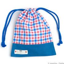 幼稚園で子どもが使うコップ袋。サイズや裏地など選び方