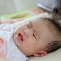 【体験談】赤ちゃんが母乳を嫌がる。新生児期や片方しか飲まないときの対応や工夫