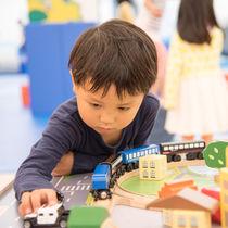 5歳の男の子へのプレゼント。本やお菓子、知育玩具など予算別の選び方