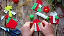 クリスマスにオーナメントを手作りしよう。紙やフェルトを使った作り方