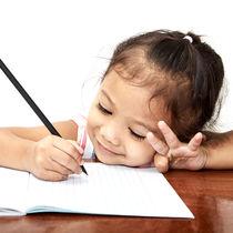 5歳の子どものひらがなの練習。教え方やおもちゃ、絵本を使った方法