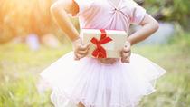 3歳の女の子に贈るクリスマプレゼント。選び方や種類など