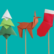 クリスマスの飾りを折り紙で作ろう。トナカイや立体的な星の作り方