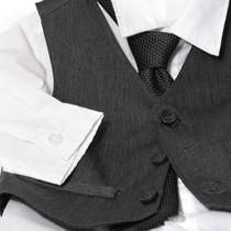 色でも楽しめる!入園式で使える男の子のスーツやアイテム