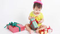 女の子のハーフバースデーに贈りたいプレゼント。おもちゃやママの手作りなど