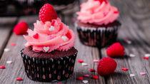 バレンタインのマフィンの簡単レシピ。かわいいデコレーションなど