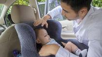 1歳頃に使うチャイルドシートの選び方。リクライニングや回転式など