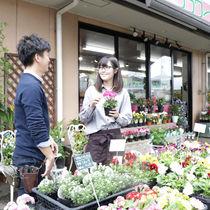 花のある暮らしを提案。花の知識や技術も身につく、お花屋さんのお仕事