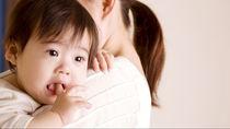 10ヶ月の赤ちゃんの夜泣き対策。ママたちが考える原因や夜中の授乳