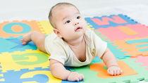 赤ちゃんの寝返りマットは必要?リビングなど置いた場所や選んだ種類