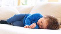 1歳児の睡眠時間はどのくらい?昼寝や夜の時間、長いときや短いときの対処法