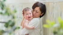 1歳の子どもが泣き止まないときの対処法。日中や夜に泣くシーン