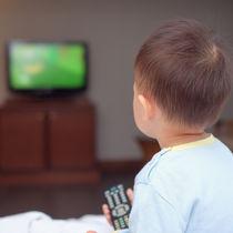 【アンケート調査】子どもにテレビを見せる時間はどれくらい?長さや家庭でのルール