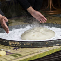 一升餅の作り方。炊飯器で作るときのコツや食紅を使った色のつけ方