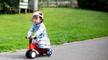 幼児の乗り物選びのポイント。室内や屋外など場所にあわせたアイテム