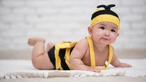 男の子や女の子の乳児用の水着。選び方や水遊び用のおむつについて
