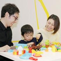 【小児科医も推薦!】言葉や指先、考える力の発達など、魅力いっぱいのブロック遊び!乳幼児から楽しむ方法とは