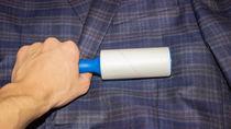 洗濯後の衣類につくほこりの取り方とボールやネットを使った洗濯方法