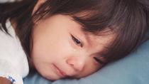幼稚園に行きたがらないとき。泣く子どもに親ができる対応