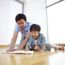 子どもといっしょに掃除をするとき。便利アイテムや意識したこと