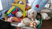 幼稚園のバザーの準備。手作りグッズなど売れ筋商品