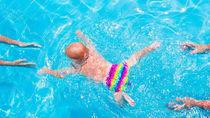 プールでプール用オムツは使う?種類や使うときに気をつけること