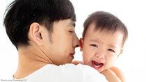 【調査】パパの抱っこを嫌がる子どもは8割!?パパたちの対処法とは