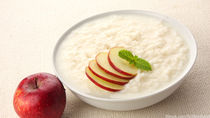 離乳食中期のりんごレシピ。おいしく食べる工夫や保存方法について