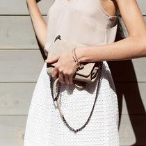 夏のママファッション。今年注目のトレンドカラーコーデ