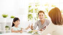 夫婦の食費事情。子どもの人数別の食費や変化、節約の工夫を調査。