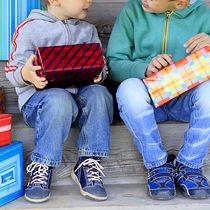 兄弟や姉妹がいる子どもへのプレゼント。同じものや違うものなど