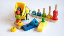 3歳の子どもが使う知育玩具。選ぶポイントやママが用意したものとは