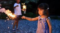 夏は子どもと花火を楽しもう。花火をする場所やマナーなど
