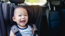 夏のドライブを快適に!ママたちが実践している車内対策を調査